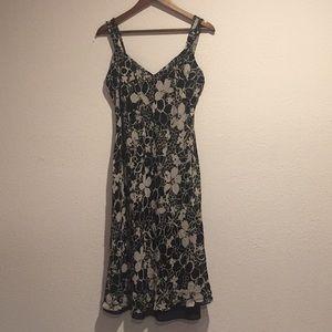 ANN TAYLOR SLEEVELESS LINED DRESS